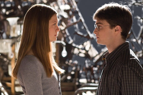 Daniel Radcliffe and Bonnie Wright - Harry Potter and the Half Blood Prince