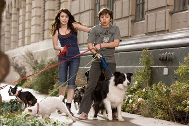 Emma Roberts & Jake T Austin - Hotel for Dogs