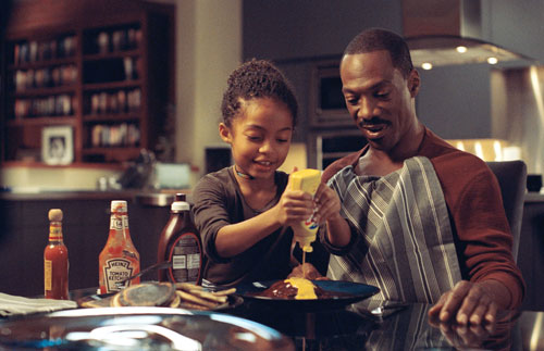 Yara Shahidi prepares pancakes for Eddie Murphie in Imagine That