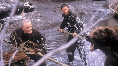 Anthony Hopkins & Alec Baldwin fight a Grizzly bear