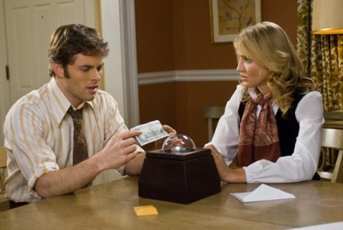 James Marsden & Cameron Diaz discuss the mysterious box with a red button