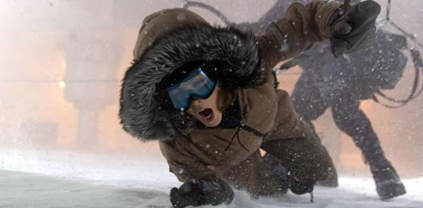 Kate Beckinsale - struggles in the snow in Whiteout